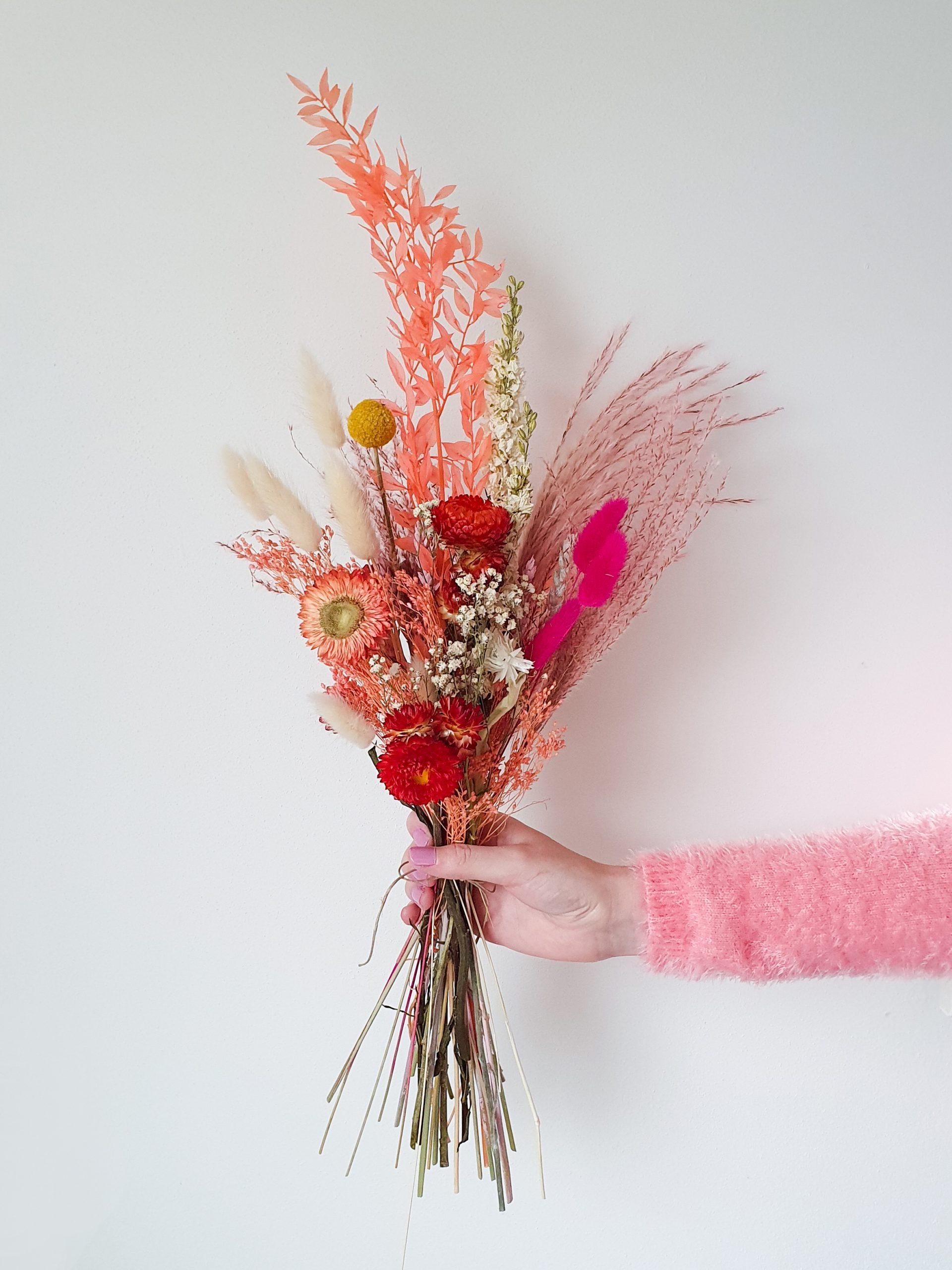 roze droogbloemen